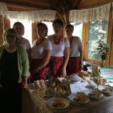 """Stowarzyszenie Kobiet Aktywnych Trzciana przygotuje potrawę regionalną na tegoroczny """"Weekend z zabytkami Powiatu Bocheńskiego"""""""
